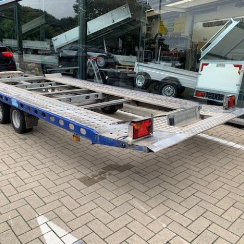 Hydraulisch kantelbare autotrailer van 3000 kg